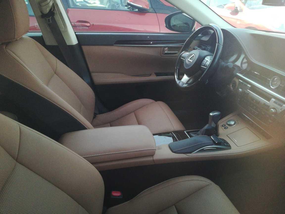 Lexus ES300 2017