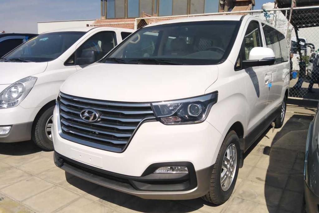 Minibus Hyundai 2019