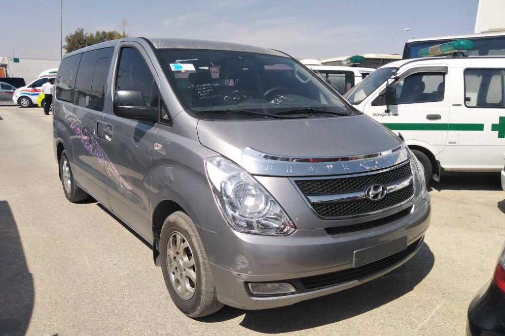Minibus Hyundai 2014