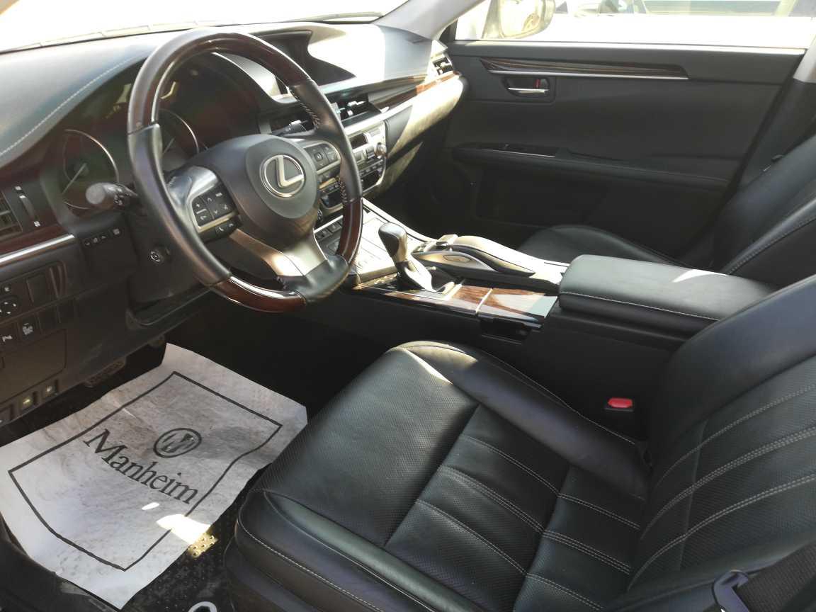 Lexus ES300 2016