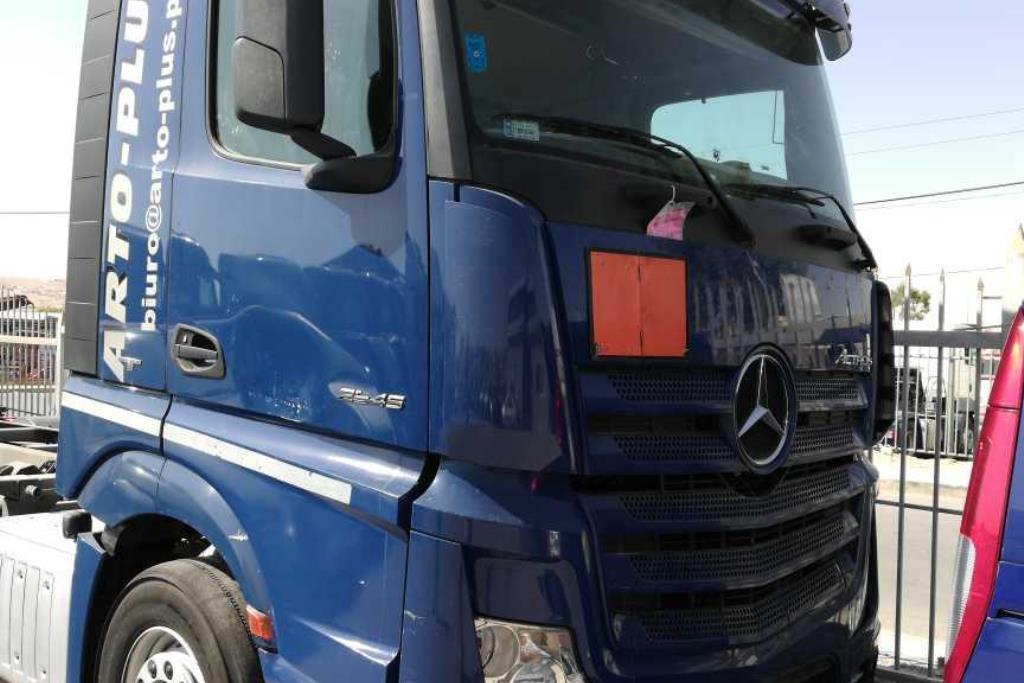 Tractor Unit Mercedes Benz 2014
