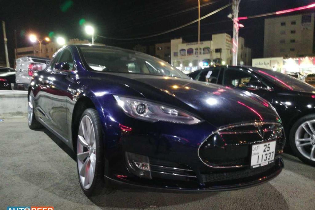 Tesla S 2014