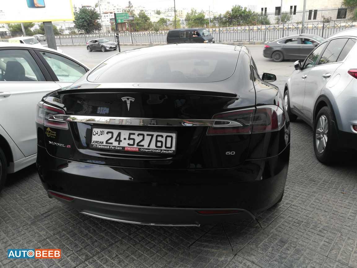 Tesla S 2013