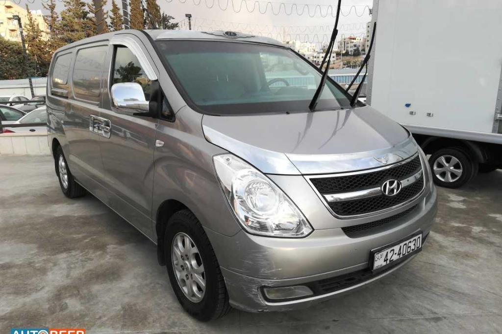 Minibus Hyundai 2011