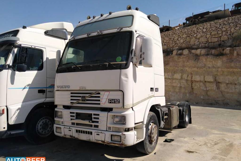 Tractor Unit Volvo 2001