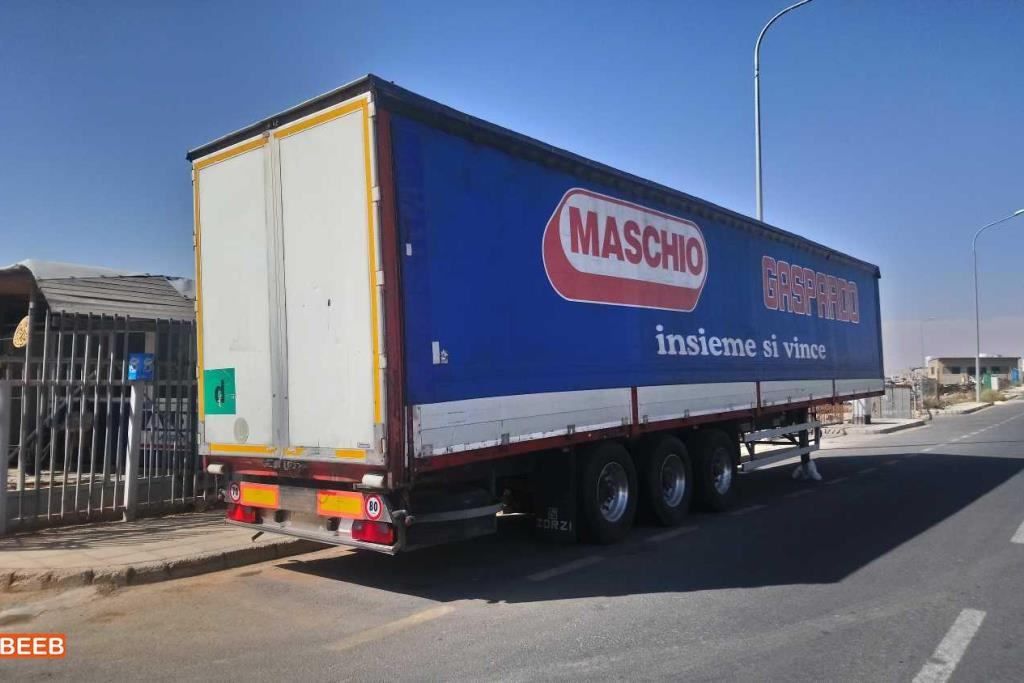 Flatbed With Side  2002