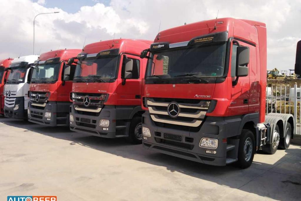 Tractor Unit Mercedes Benz 2013