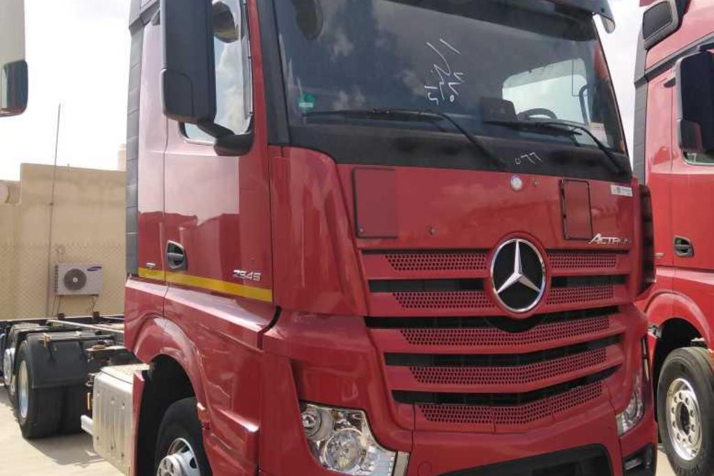 Tractor Unit Mercedes Benz 2016