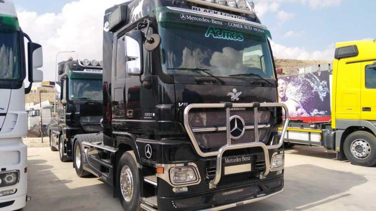 Tractor Unit Mercedes Benz 2006