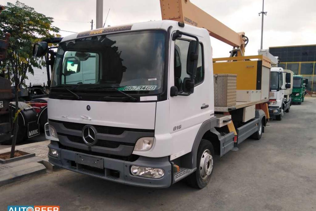 Tow Truck Mercedes Benz 2013