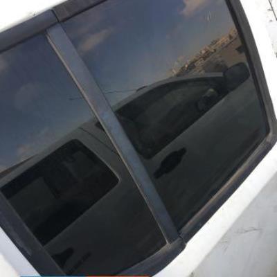 زجاج باب خلفي يمين بكب نيفارا 2011 2012 2013 2014 2015