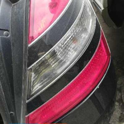 ضو يمين خلفي مرسيدس s500 2010