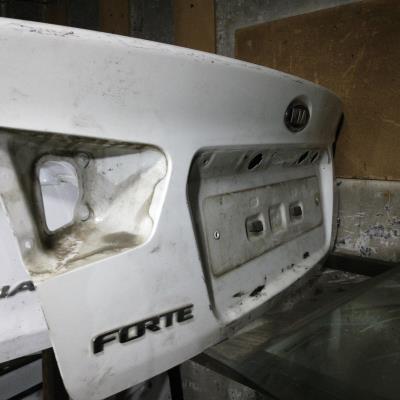 غطا صندوق خلفي كيا فورتي 2010 2011