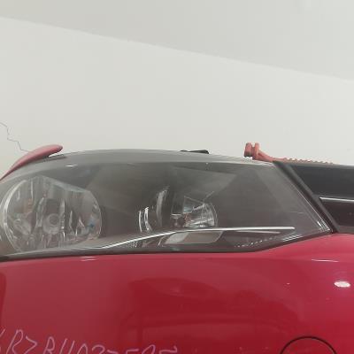 ضو امامي يمين فولكس فاجن بولو 2012