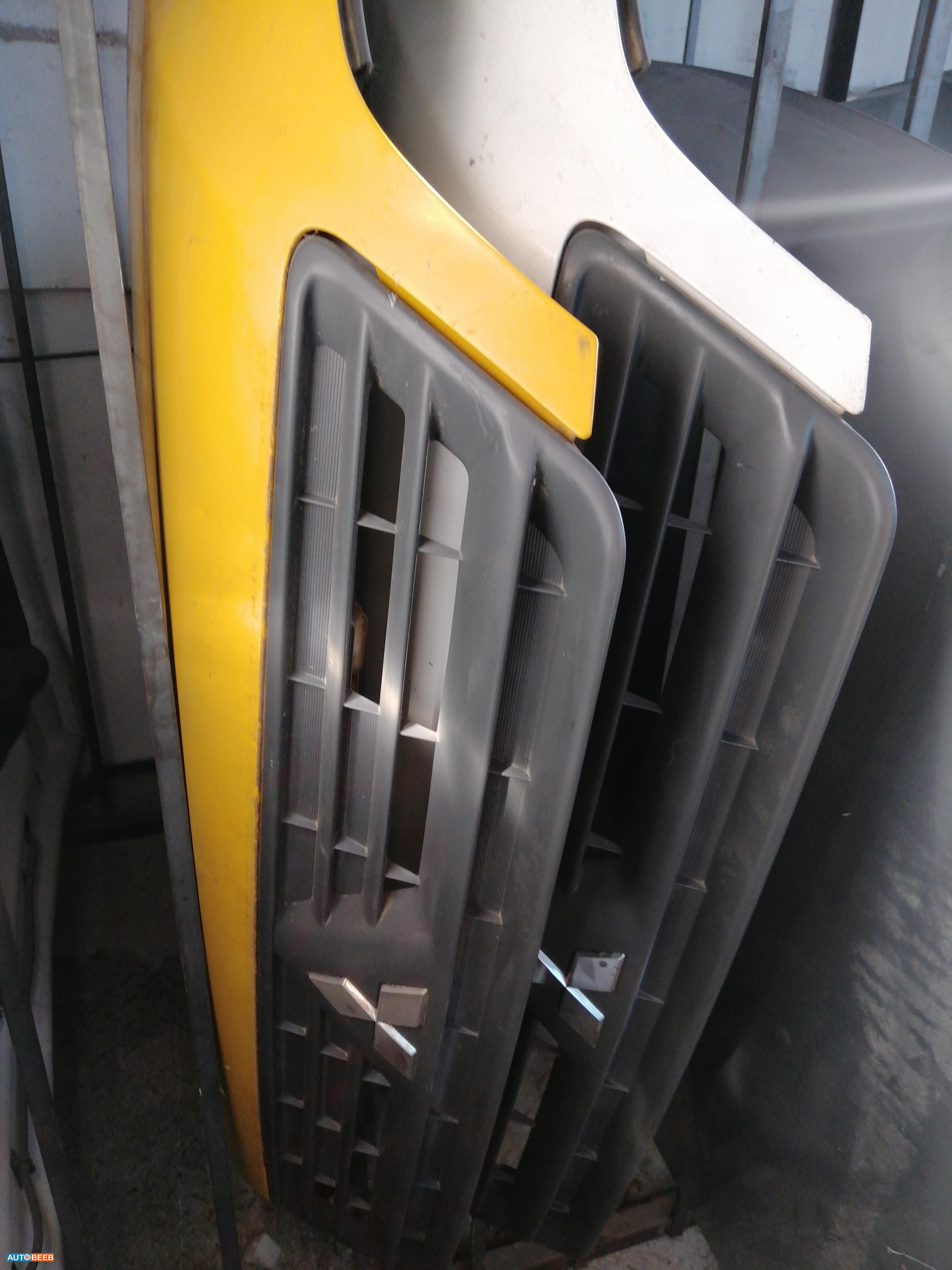 غطاء محرك لانسر 2001
