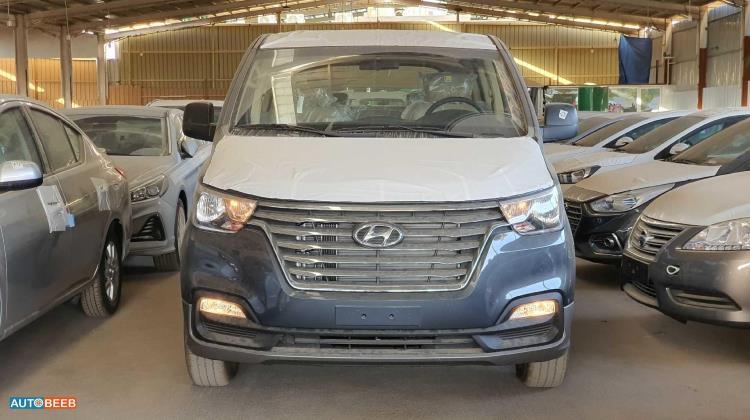 Minibus Hyundai 2020