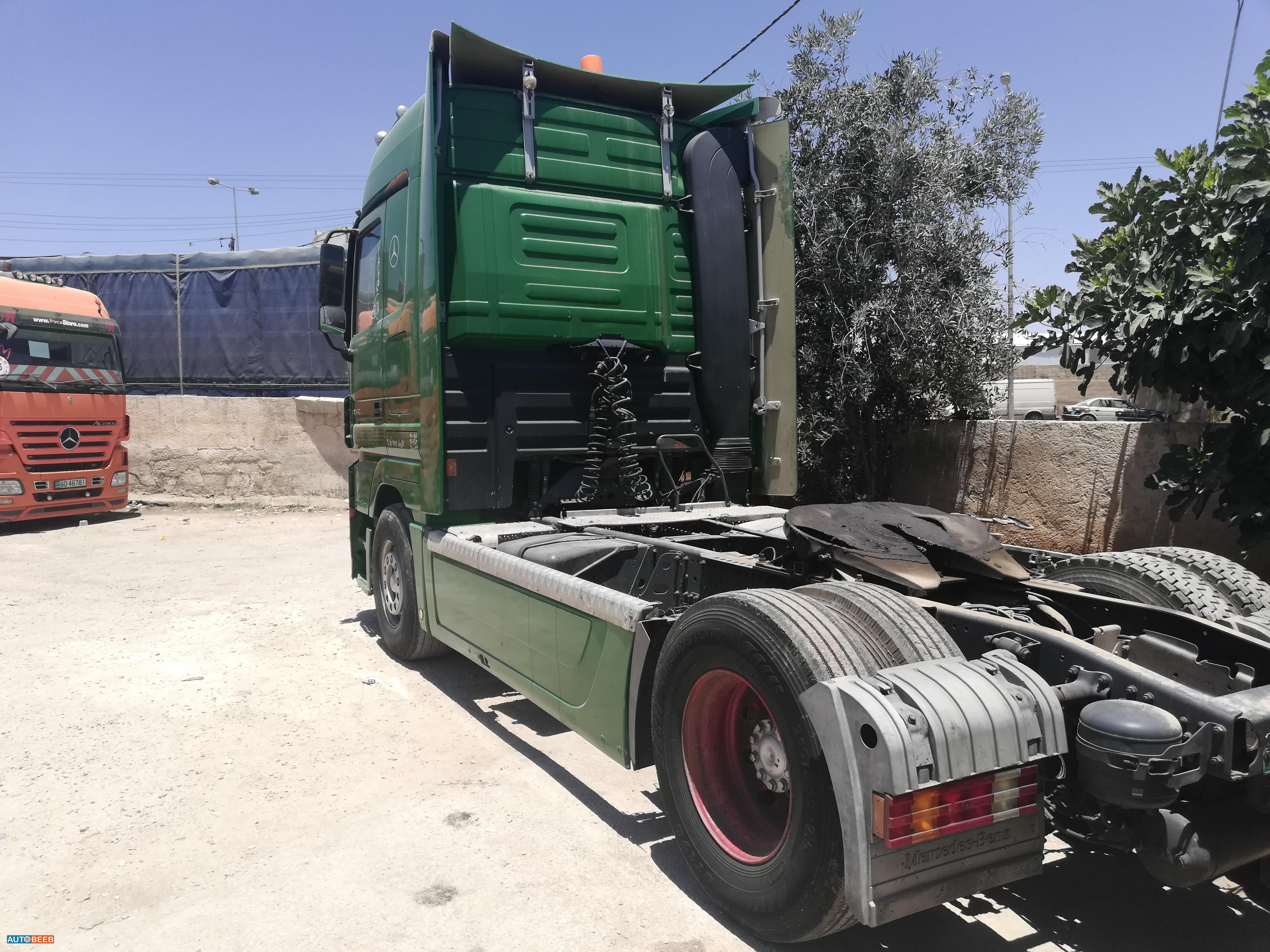 Tractor Unit Mercedes Benz 2004