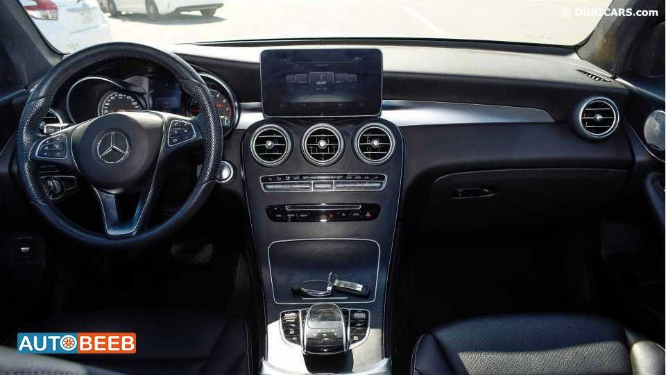 Mercedes Benz GLC300 2017