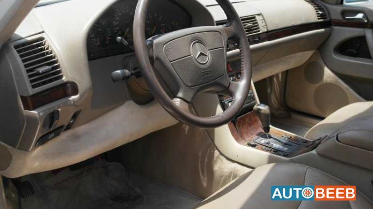 Mercedes Benz S320 1997