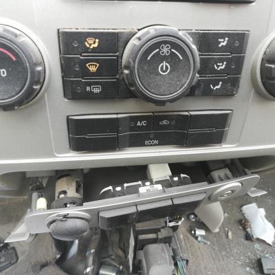 لوحة تحكم مكيف فورد اسكيب 2009