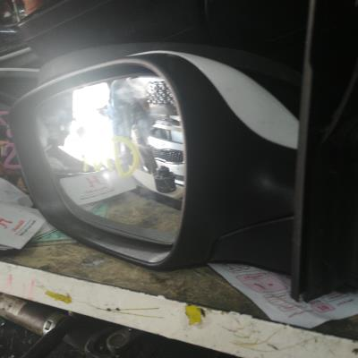 مراية جنب هونداي md 2012