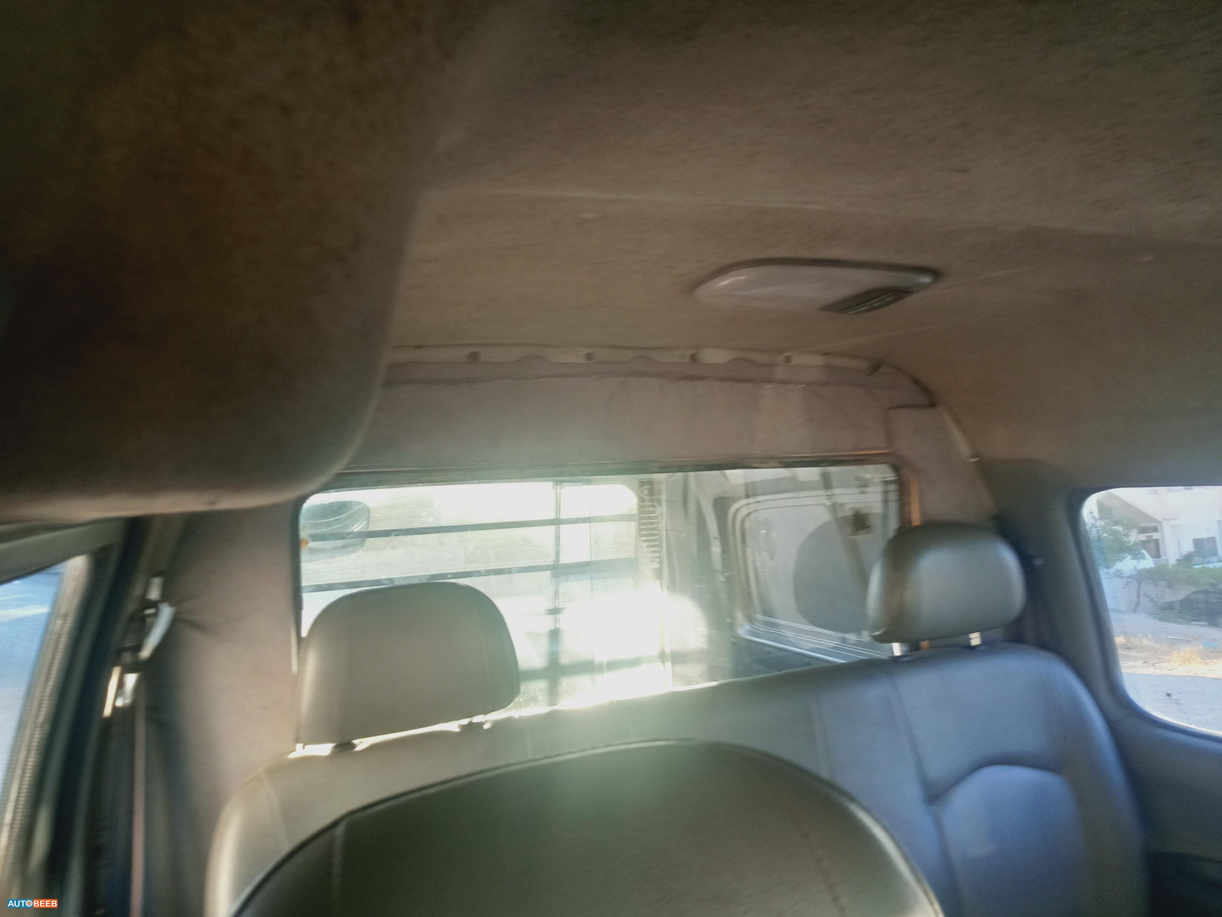 Minibus Hyundai 2004