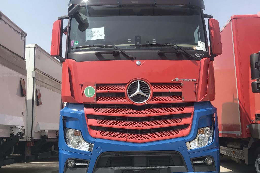 Tractor Unit Mercedes Benz 2015