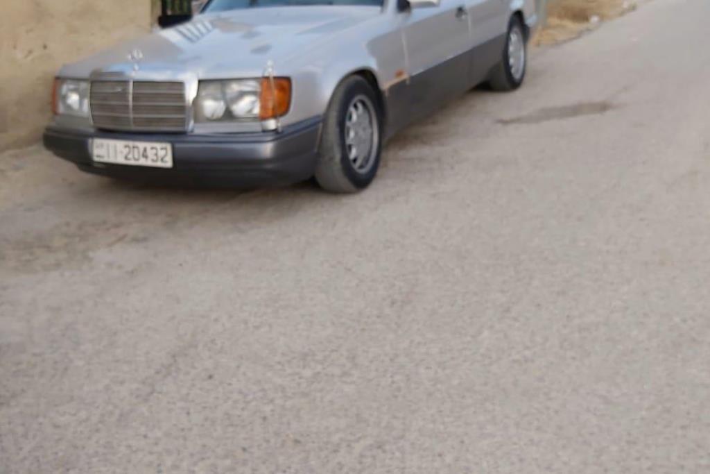 Mercedes Benz C250 1985