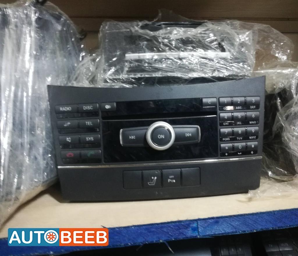Electronics MP3 Player Mercedes Benz C200