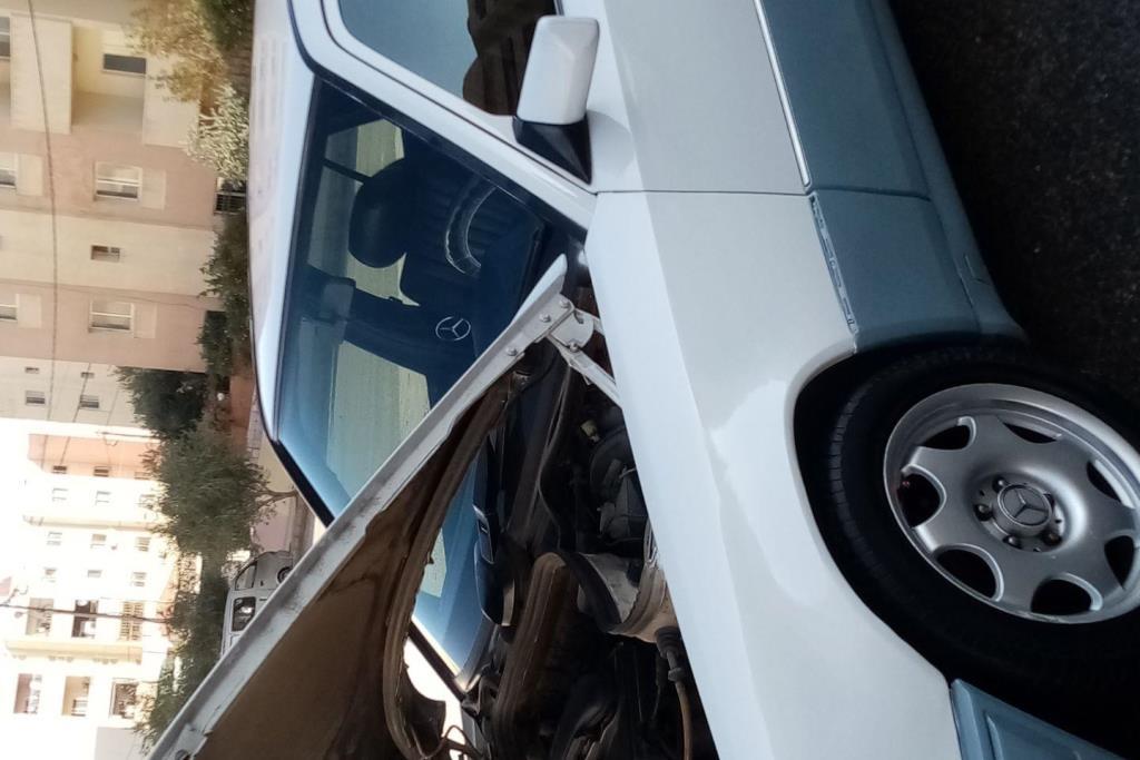 Mercedes Benz E200 1987