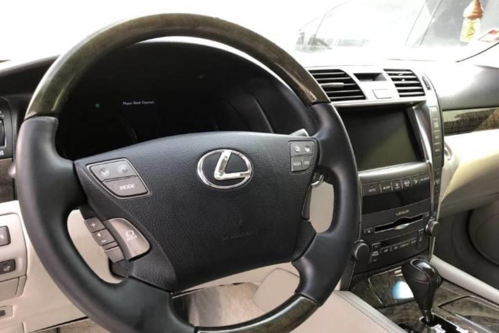 Lexus LS460 2007