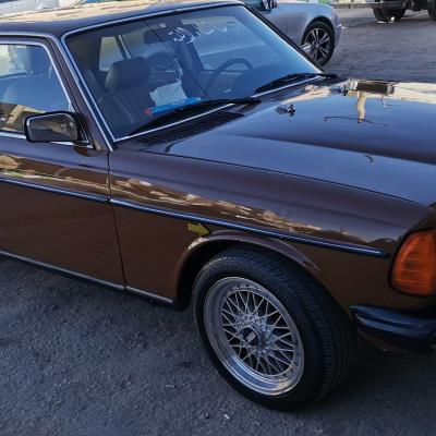 Mercedes Benz E200 1982