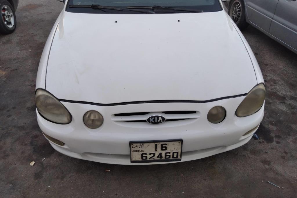 كيا شوما 1999